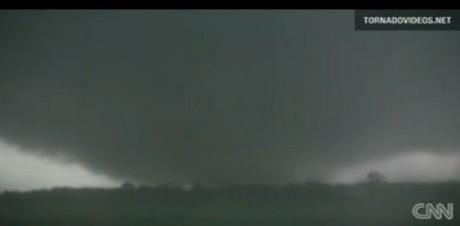 ミズーリ州の巨大竜巻.jpg