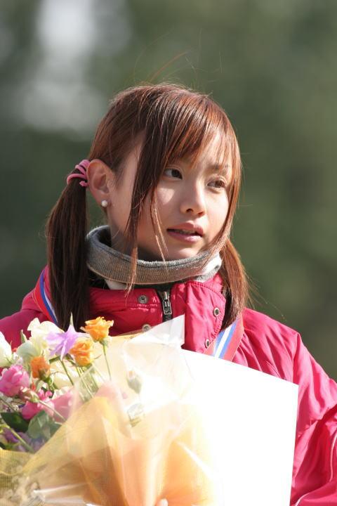 湯田友美2.jpg